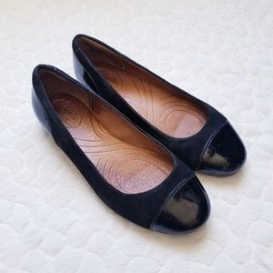 Clarks black flats leather 6 Indigo slip on shoes